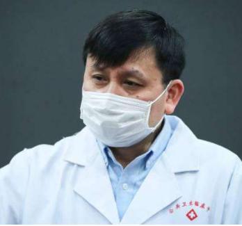 张文宏:今年冬春季疫情风险存在