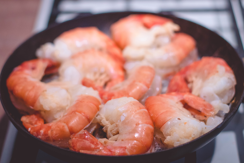 虾与水果同食会砒霜中毒吗?